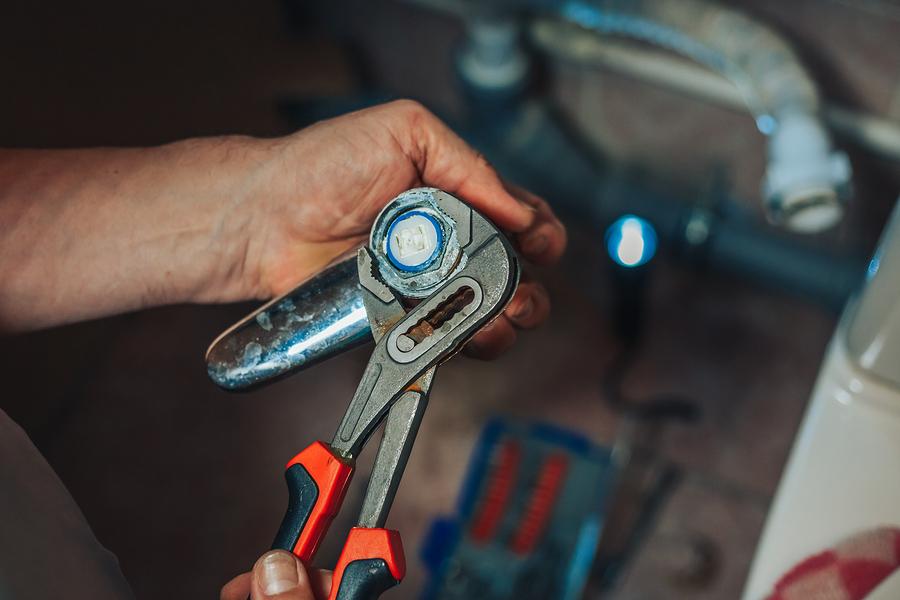 Plumber Repair Faucet Leaks